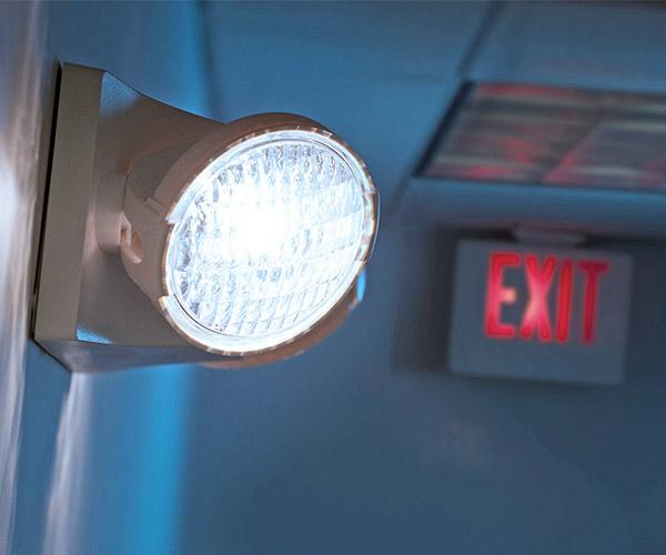 acil çıkış aydınlatma armatürü, acil çıkış yönlendirme armatürü